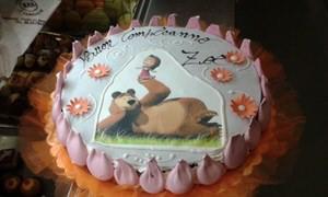 torta-charlotte-compleanno-stampa-masha-orso-meringhe