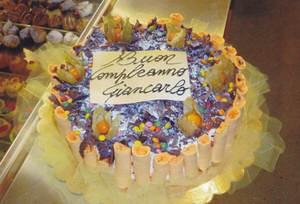 torta-charlotte-meringhe-cioccolato-smarties-compleanno